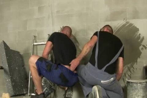 homosexual Builders Take A irrumation-stimulation Break